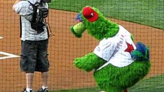 Phillie Phanatic pregame