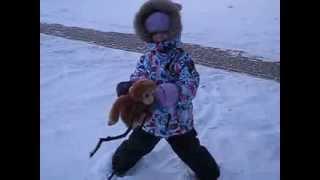 видео Активный отдых с детьми зимой