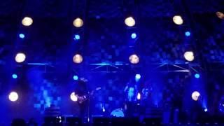 Chris Stapleton and Miranda Lambert Sing 'Fire Away' Together