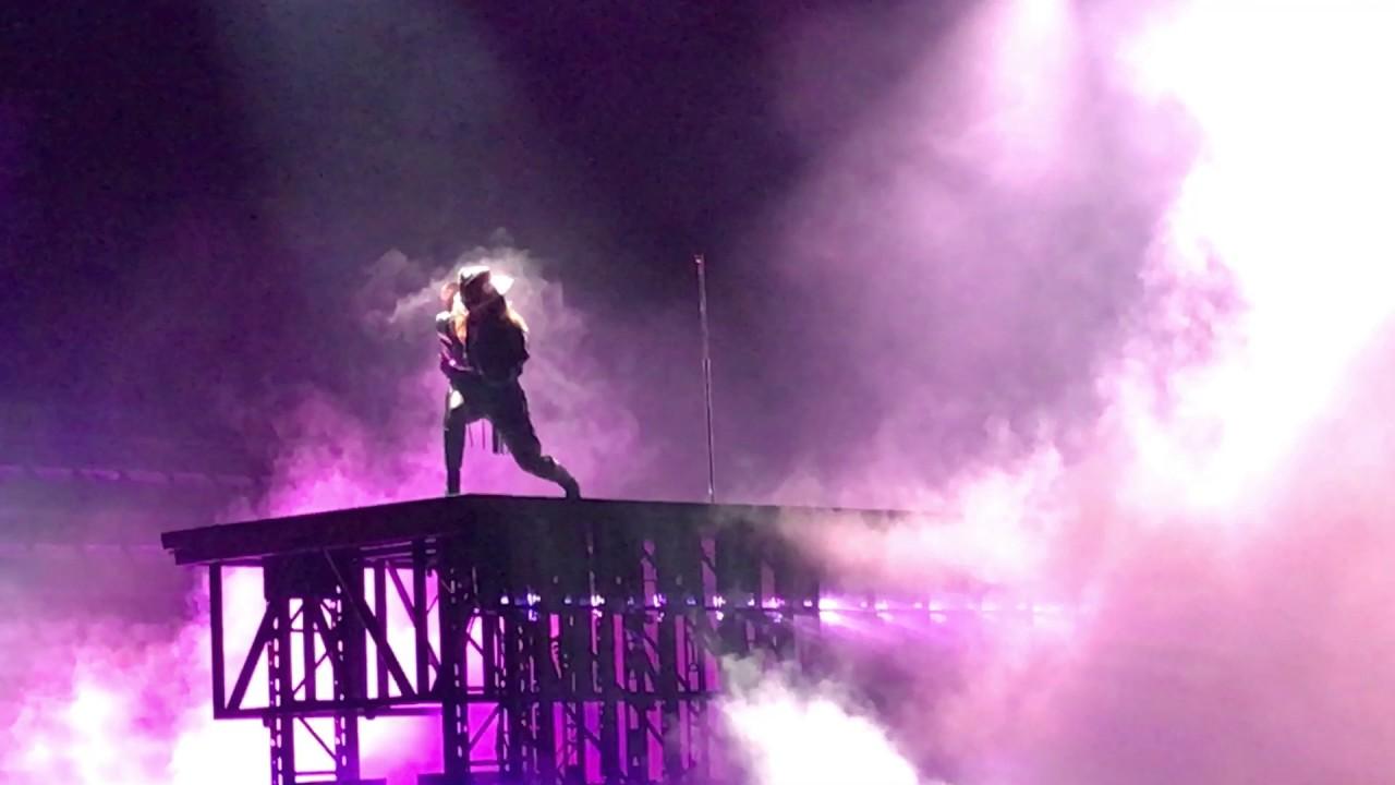 Lady Gaga Diamond Heart Opening Night Of Joanne World Tour Youtube