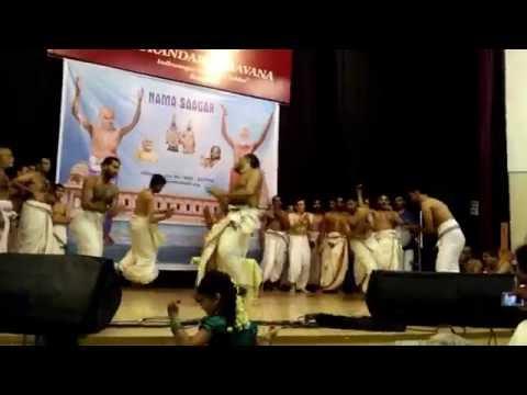 Divyanamasankeerthanam By Vittaldas Maharaj