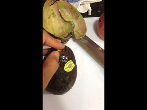 How To Tell If An Avocado Is Ripe And How To Cut It Open