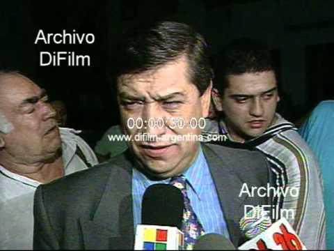 DiFilm - Policia Federal detiene ladrones que intentaban robar restaurant 1998