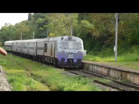 70104 Karwar - Pernem DEMU Crossing 01079 Kochuveli Deepavali Special : Konkan Railways