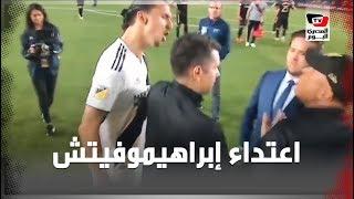 قصة اعتداء «إبراهيموفيتش» على مدرب مصري في الدوري الأمريكي