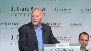 "Craig Venter unveils ""synthetic life"""