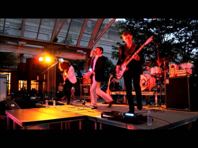 Eight Ball - Live at Reston Town Center