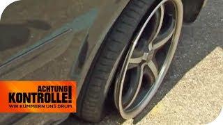 Gegen den Bordstein gebrettert! Kann der ADAC den Reifen retten? | Achtung Kontrolle | kabel eins