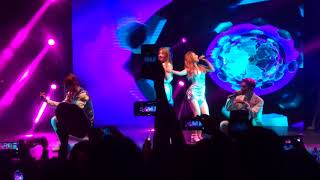 KARD Side to Side (Ariana Grande Cover) WILD KARD Tour In Chile Resimi