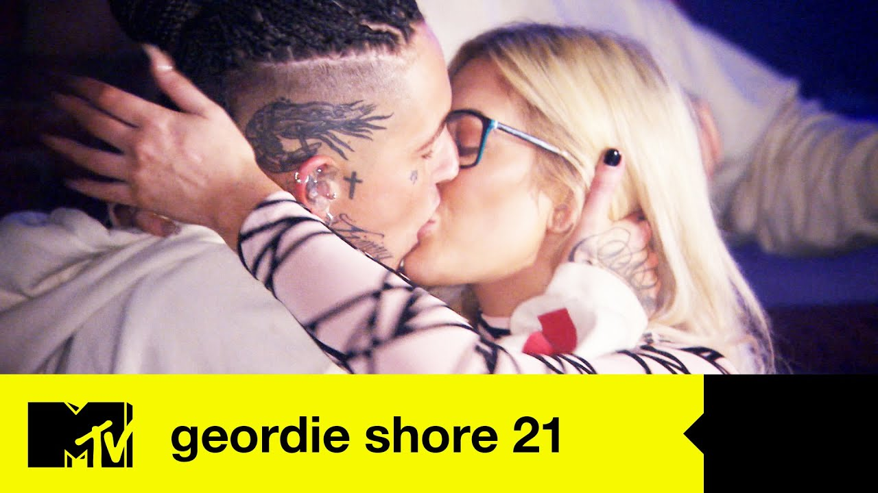 EP #2 CATCH UP: Chloe and Nathan's Friendship Test | Geordie Shore 21