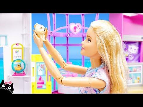 Barbie Veterinaria Cuida y Baña a Bebés Perrito en el Centro de Mascotas - Muñecas Cat Juguetes