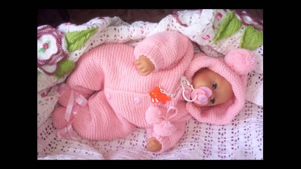 вяжем для новорожденных спицами схемы комбинезоны