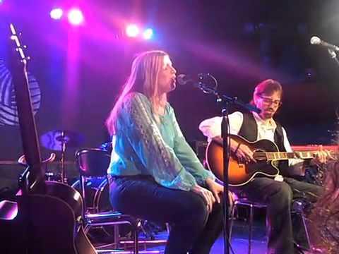 Lynda McLaughlin from LYVA performs Hallelujiah at Jeff Buckley Tribute