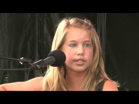 "12-year-old Abby Miller sings ""The Climb"" by Miley Cyrus (HD Version)"