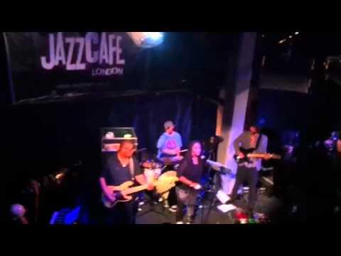A vocal lesson by Lalah Hathaway at Jazz Café London