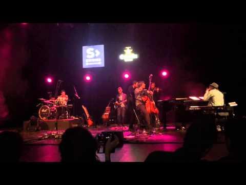 Girona m'enamora (R.Viladesau) - Aplec internacional Grenoble 2011из YouTube · Длительность: 2 мин7 с