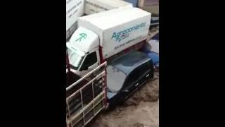 Lluvia arrastra coches en Adra