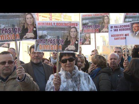 """Las víctimas del Alvia piden a Pastor y Blanco que """"asuman sus responsabilidades"""""""