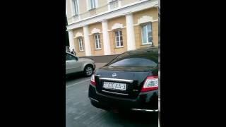 Гомельский чиновник купил  машину  на  зарплату. Беларусь. Гомель