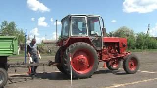 Экзамен юных трактористов