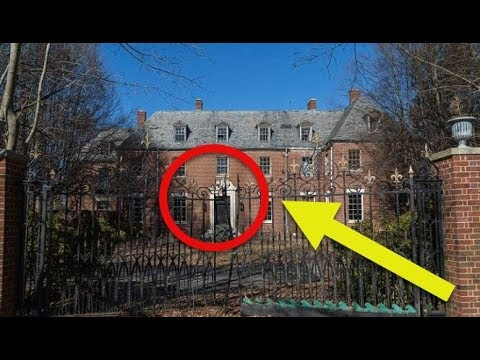 See inside the creepy new york mansion that s been for Abandoned mansions in new york for sale