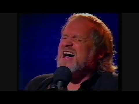 Eric Bogle : SInging The Spirit Home (live 1994)