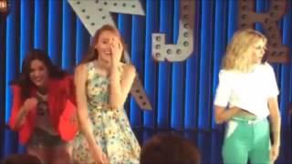 """Soy Luna: Ambar, Delfi y Jazmin cantan """"Chicas asi"""" (detras de escena)"""