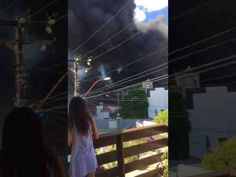 Incêndio atinge embarcações em Marina Bonfim em Salvador
