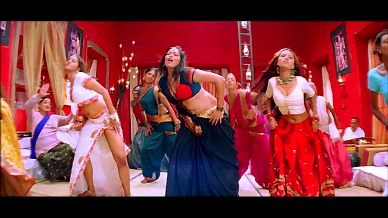 Download கவர்ச்சி அழகிகளின் சிலுக்கவைக்கும் நடனம் | Tamil Item Songs.... Tamil Latest Item Songs #