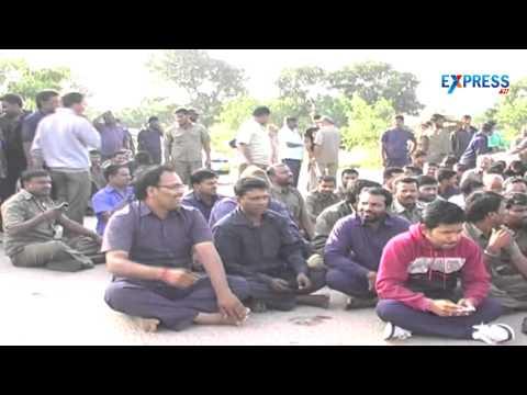 Meru Cab Drivers Go On Strike At Shamshabad | Express Tv