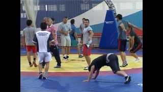 Сборная по вольной борьбе готовится к Универсиаде в Казани