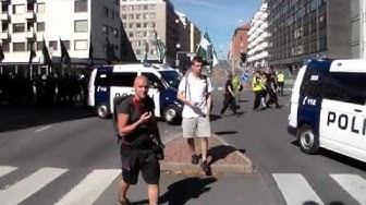 Pohjoismaisen vastarintaliikkeen kulkue Turussa 18.08.2018 (Saapuminen tuomiokirkkosillalle)
