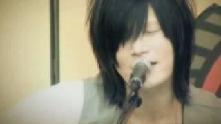 Tłumaczenie piosenki z albumu Chandelier, koncert w Asakusa Hanayas...