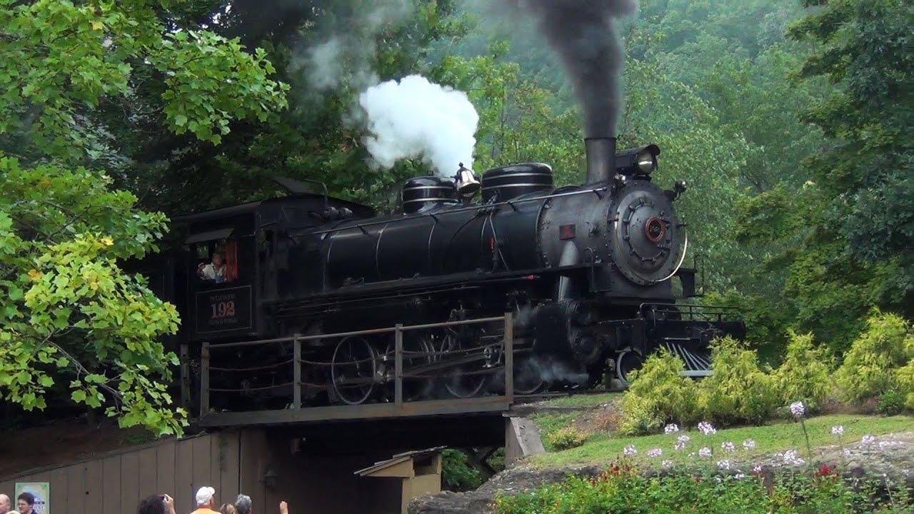 Dollywood Express: Alaskan Thunder in the Great Smokies ...