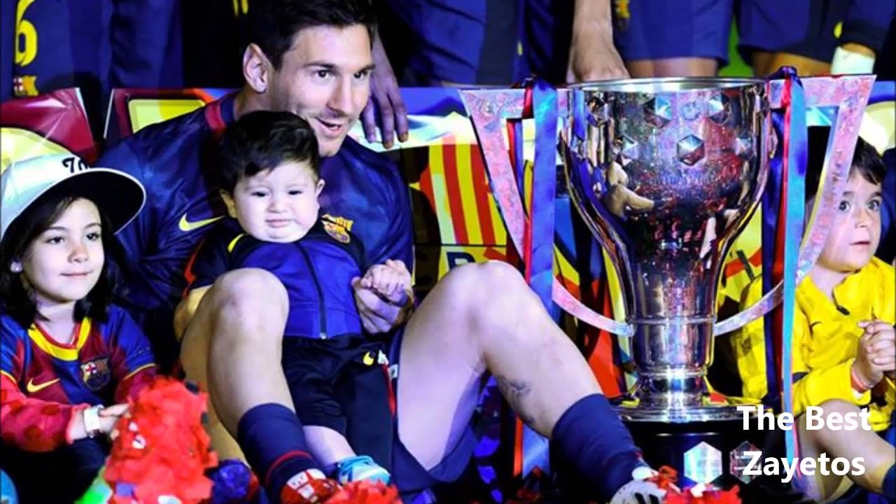 Messi With His Son Thiago Hd In The Campnou Youtube