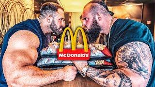 Wer schafft mehr McDonald's? 27.000 kcal Cheeseburger Challenge! Fabi Prank! / Stofftiere