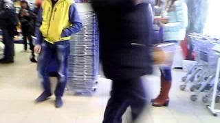 Ревизорро-2: Мужчину обвинили в магазинной краже(Сотрудники супермаркета заставили покупателя заплатить второй раз за газировку, купленную в другом магази..., 2016-03-28T02:26:29.000Z)