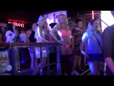 Night in Benidorm, club life in #Benidorm
