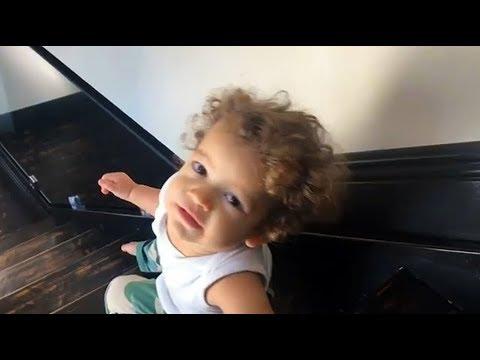 Tierno Vídeo Del Hijo De Nacho Mendoza, Matías Aprendiendo A Bajar Las Escaleras
