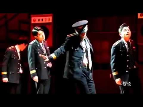 151211 Donghae dança Dangerous do Michael Jackson