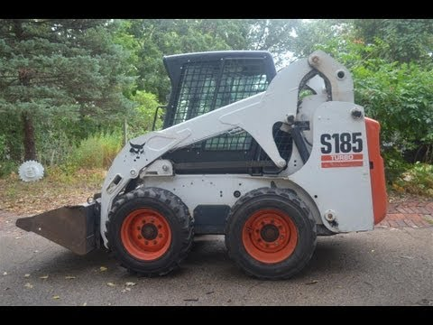 2 minute oil change video for Bobcat S185 skid steer loader