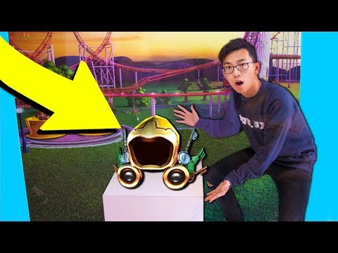 FINDING THE GOLDEN DOMINUS IN ROBLOX HEADQUATERS.. (Roblox IRL)