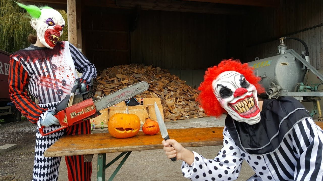 Halloween Special - Horror Clown mit Kettensäge vs Kürbise