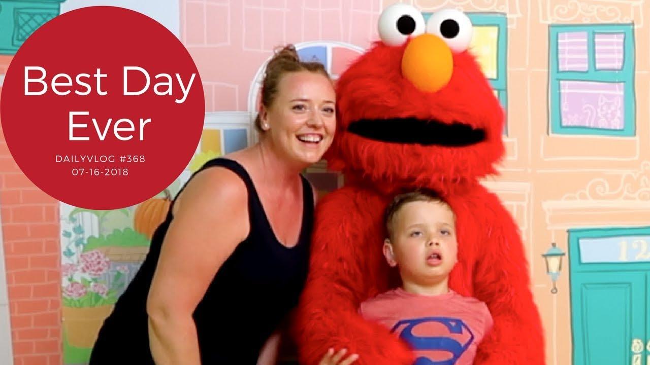 Meeting Elmo at Sesame Place - The Mareathon Ep #368. Redhead Mare