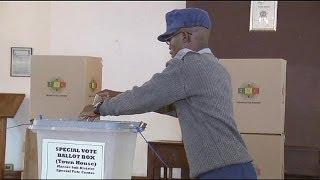 Zimbabwe: early voting opens