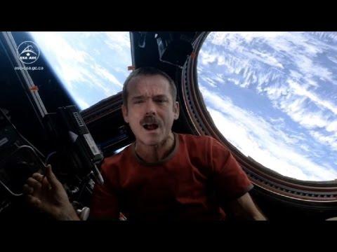 """La versión espacial de """"Space Oddity"""" de Bowie"""