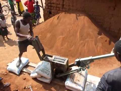 Making interlocking mud bricks