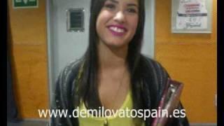 Demi Lovato saluda a DEMI LOVATO SPAIN