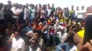 Ethiopia : Campaign to save Lake Tana Discussion Near the Lake