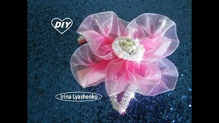 Flor de fita de organza no tic tac